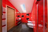 rote Ferienwohnung - Dusche und WC