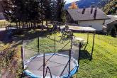 Jonnen Hof - parco giochi attrezzato con trampolino
