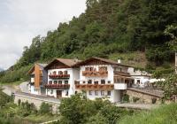 Gasthaus & Ferienwohnungen Schneeweisshof