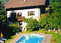 Ferienwohnungen Ortguterhof in Lana