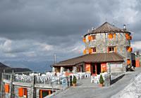 Rifugio Alpino Tibet al Passo dello Stelvio
