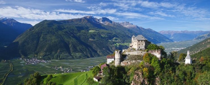 Castel Annaberg in Val Venosta