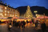 Christmas Market Bolzano in front of the cathedral